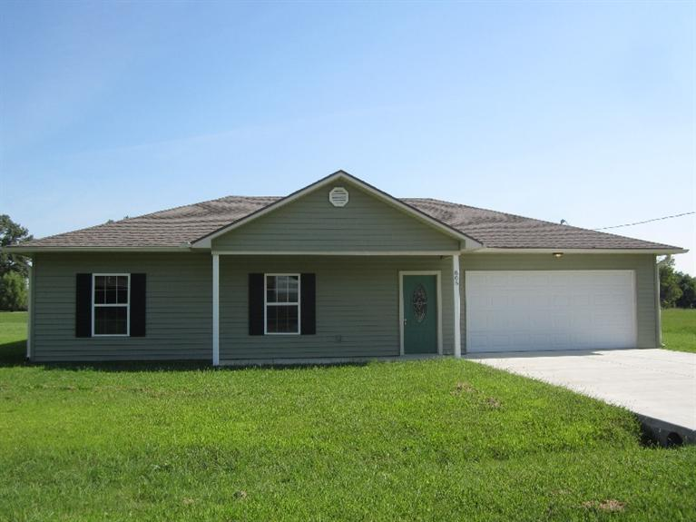 805 Independence Ave, Cherryvale, KS 67335