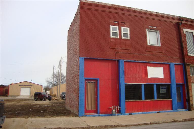 109 N Neosho, Cherryvale, KS 67335