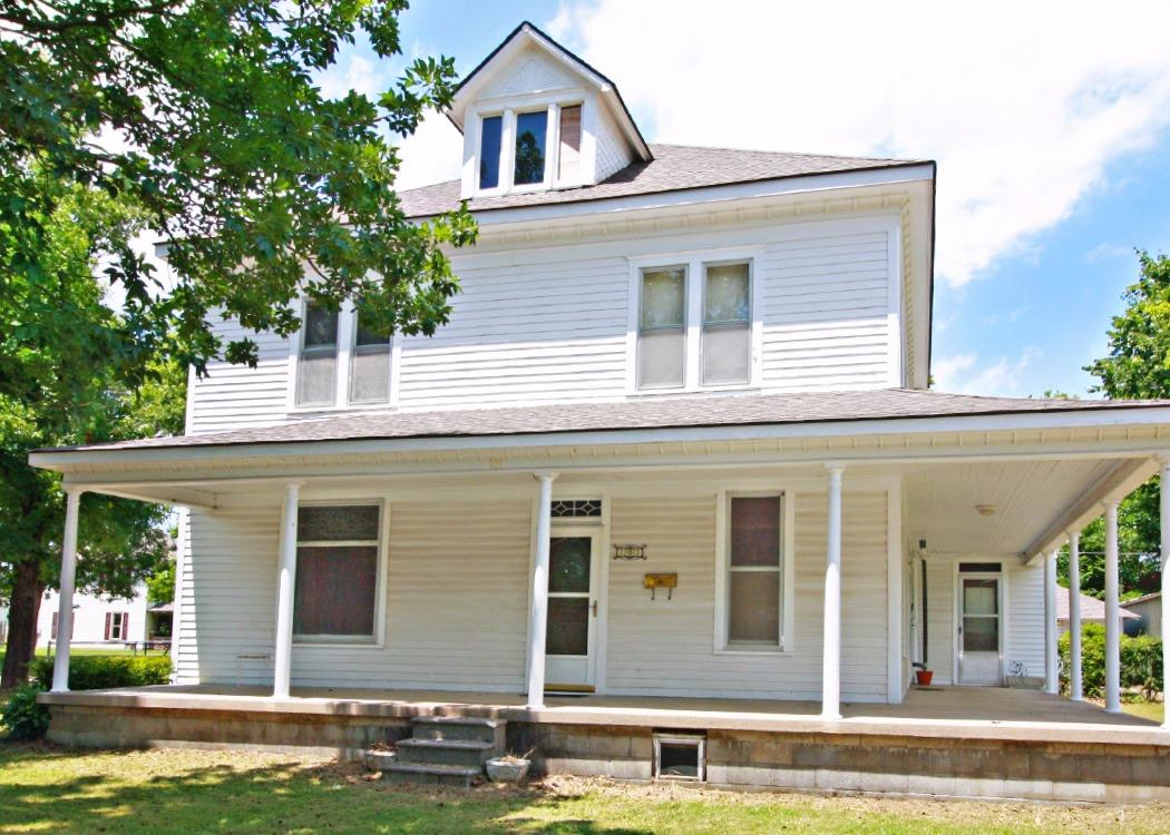 101 E 6th Avenue, Caney, KS 67333