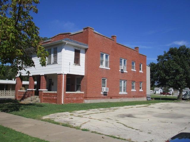 513 Maple Street, Coffeyville, KS 67337