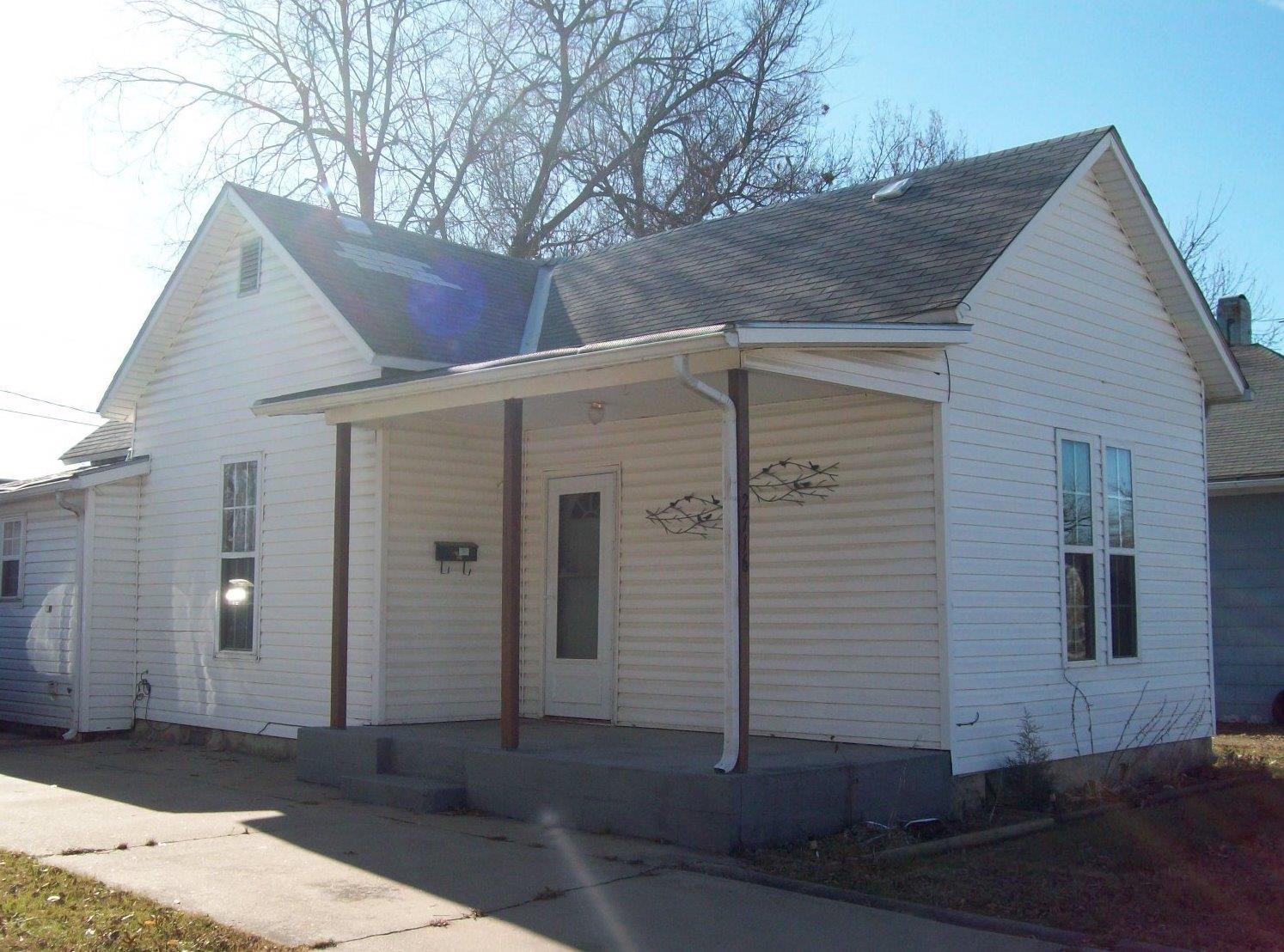 2716 Crawford Avenue, Parsons, KS 67357