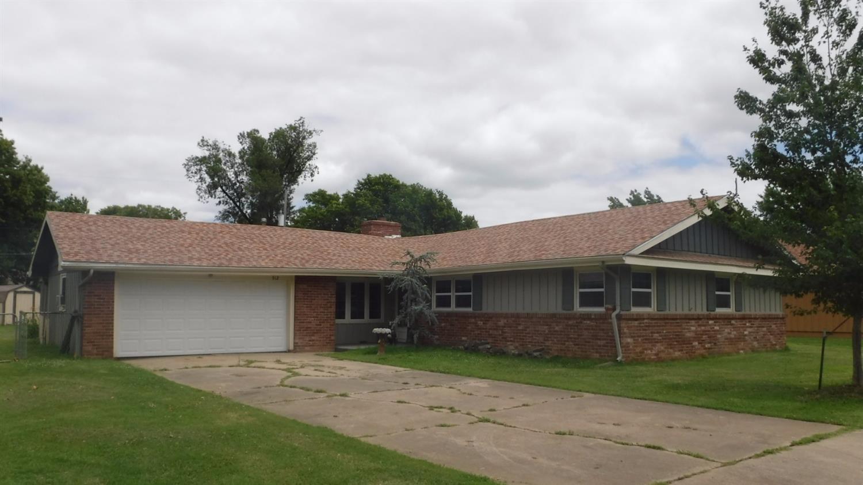 912 Circle Drive, Independence, KS 67301