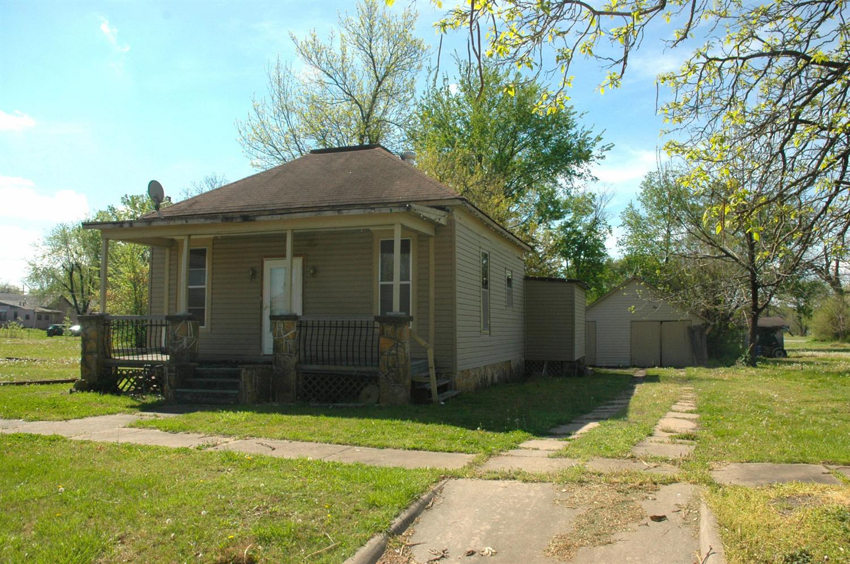 1924 Morgan Avenue, Parsons, KS 67357