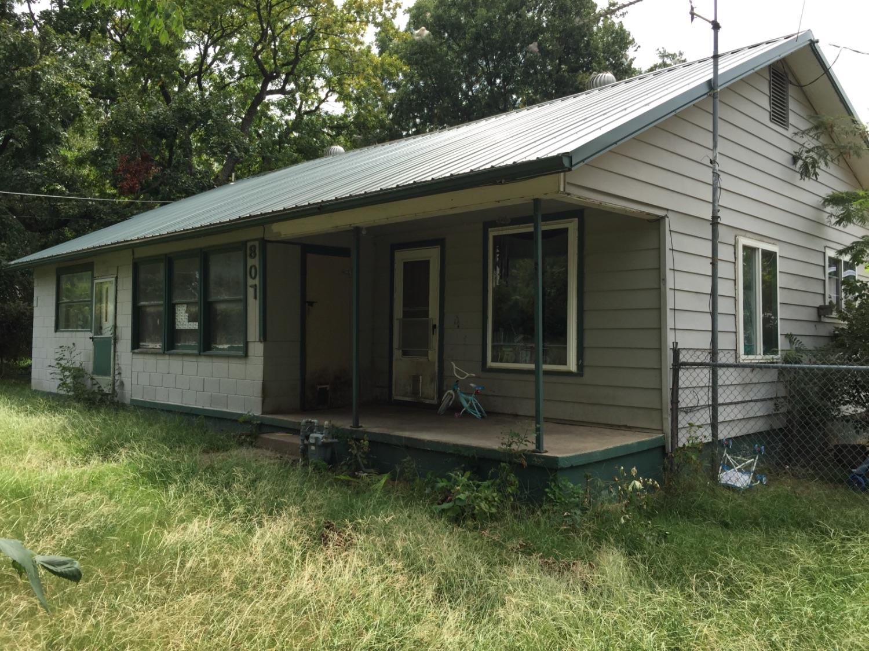 807 E 10th Street, Cherryvale, KS 67335