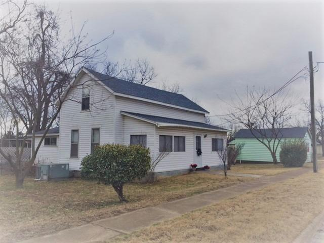 322 S Third Street, Chetopa, KS 67336