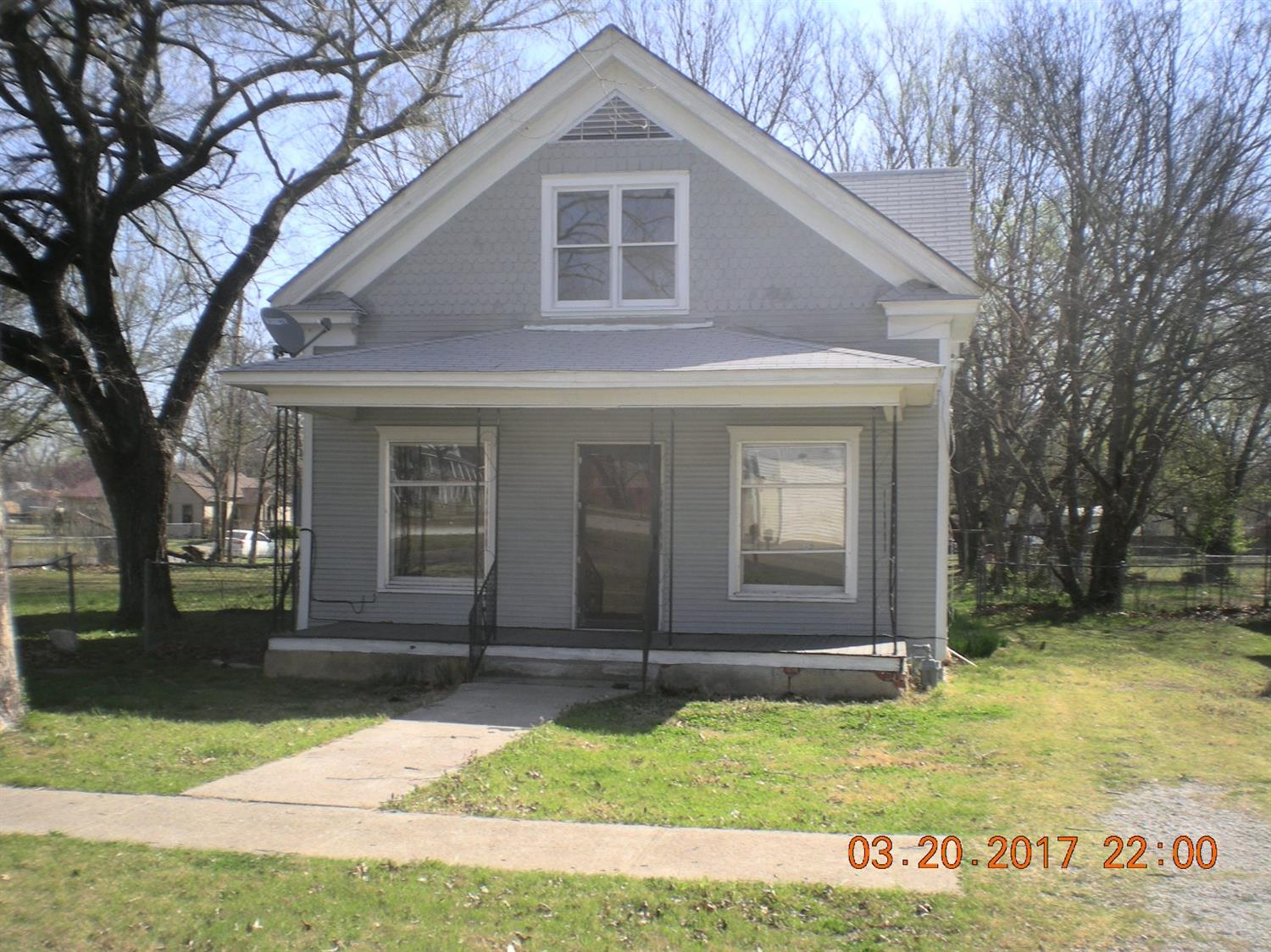 303 S High, Caney, KS 67333