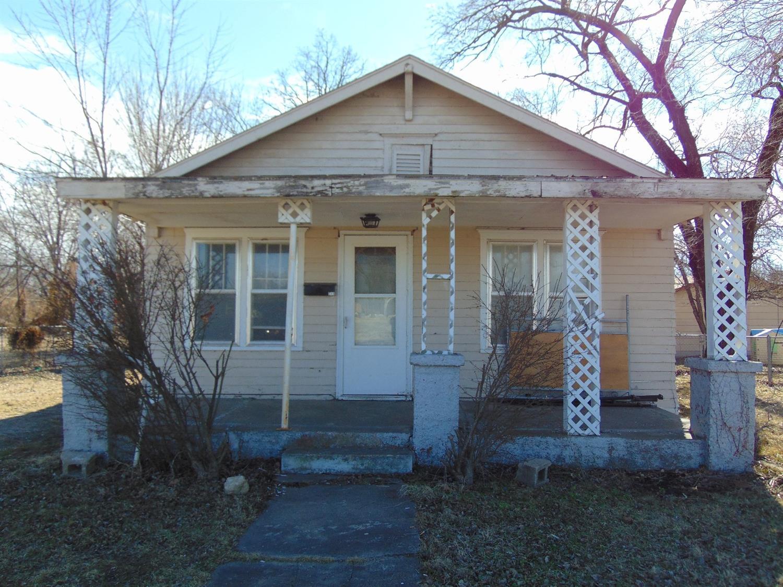 515 W Clark Street, Cherryvale, KS 67335