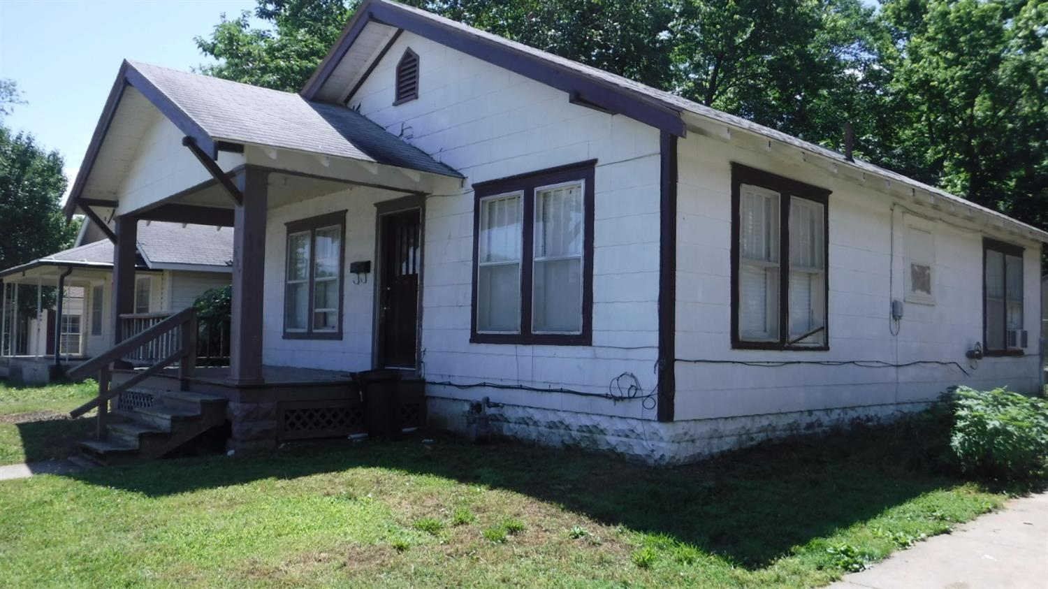 627 E Hill Street, Independence, KS 67301
