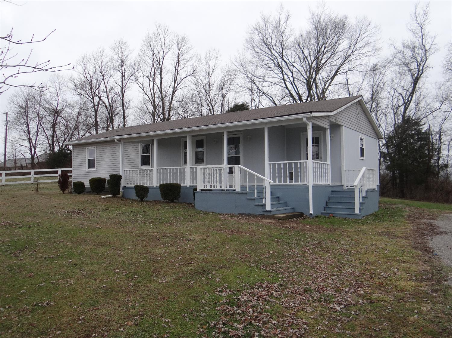 Home For Sale at 3035 Becknerville Rd, Winchester, KY 40391