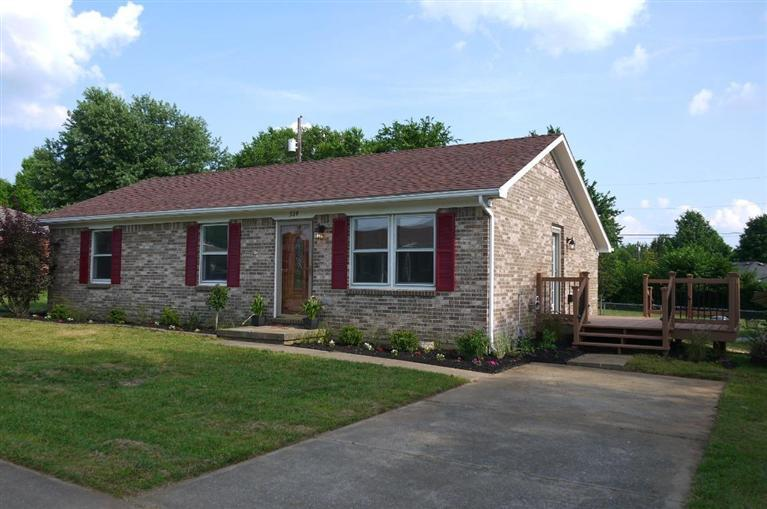 328%20E%20Margaret%20Dr%20Wilmore,%20KY%2040390 Home For Sale