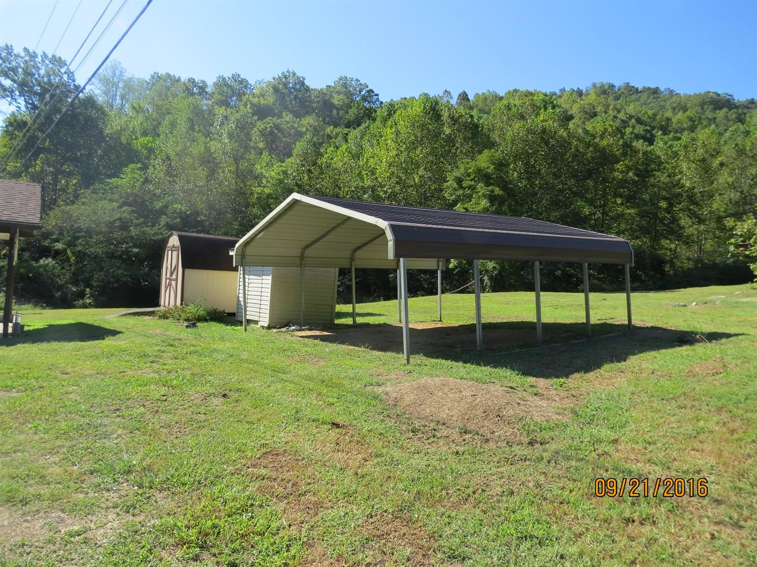 391 AGES CREEK RD, AGES BROOKSIDE, KY 40801  Photo 2