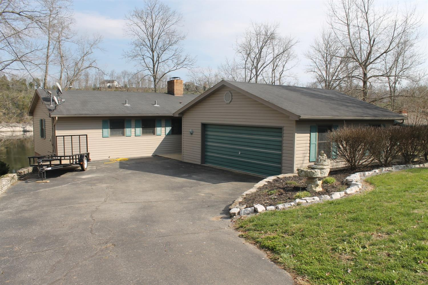 Home For Sale at 855 Hardin Hgts, Harrodsburg, KY 40330