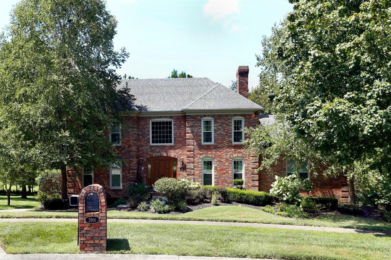 Home For Sale at 3901 Gloucester Dr, Lexington, KY 40510