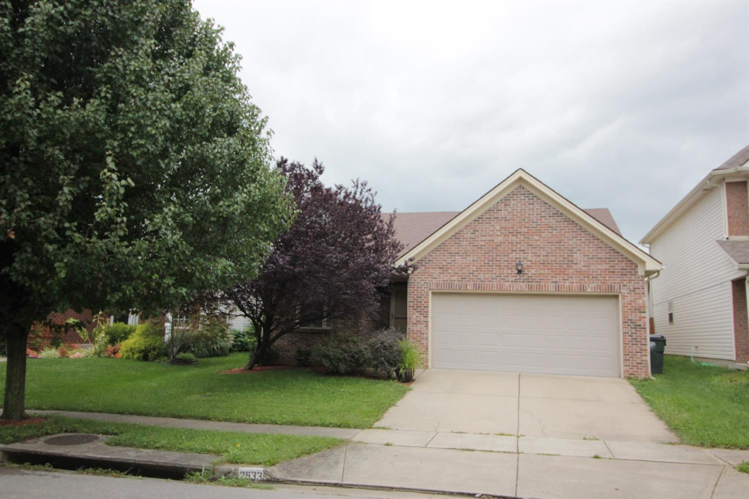 One%20level%20living%20in%20popular%20Coventry!%20Fenced%20in%20back%20yard,%20rear%20covered%20patio,%20vaulted%20ceiling%20in%20family%20room%20and%20master%20bedroom!%20Walk%20to%20new%20Covington%20Oak%20Elementary!%202%20miles%20to%20I-75/I-64,%204.5%20miles%20to%20downtown%20Lexington!%20Easy%20Legacy%20Trail%20access%20also!%20Investors:%20Current%20tenant%20in%20place.%20%20Seller%20is%20a%20licensed%20real%20estate%20broker%20in%20Kentucky.