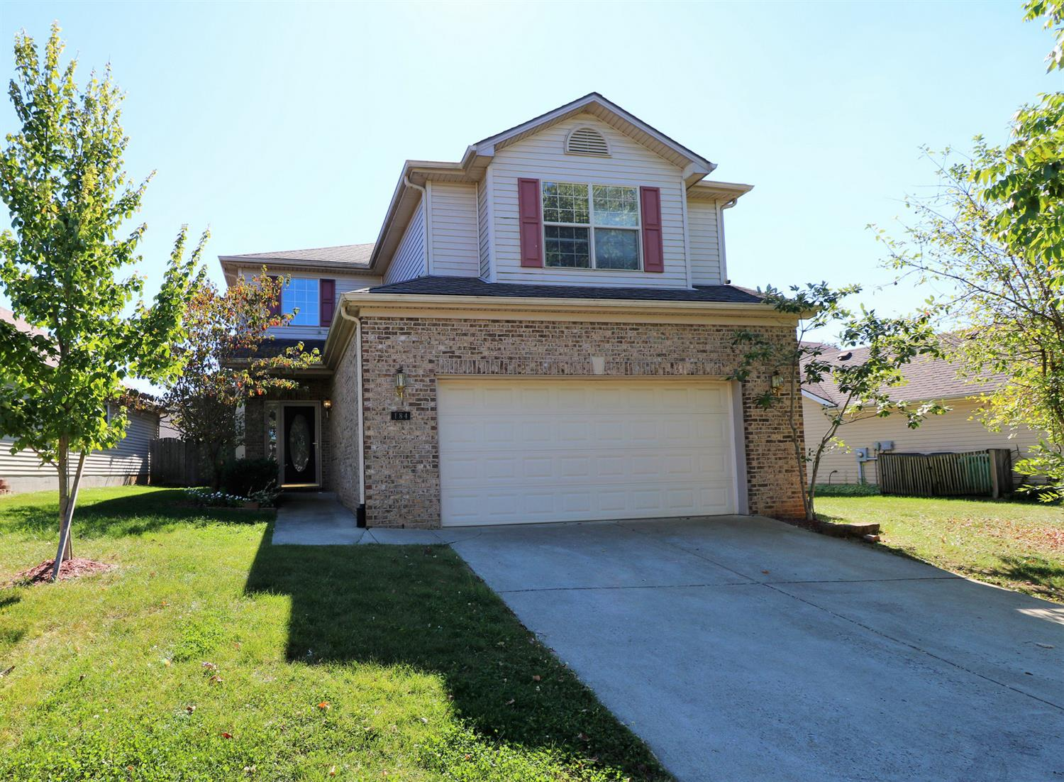 Beautiful%202-story%20home%20with%209-ft.%20ceilings%20on%20first%20floor%20plus%20lots%20of%20windows!%20This%20home%20is%20almost%201800%20sq.ft.%20and%20includes%20a%20spacious%20kitchen%20with%20an%20island%20and%20pantry.%20This%20area%20opens%20to%20a%20great%20room%20with%20gas%20fireplace%20and%20ceramic%20hearth%20plus%20entertainment%20center%20above.%20Upstairs%20you'll%20find%20the%20utility%20area%20as%20well%20as%20a%20fabulous%20master%20suite%20with%202%20walk-in%20closets%20and%20nice%20bath%20area%20with%20garden%20tub%20and%20double%20sink.%20Add%20to%20this%203%20additional%20bedrooms%20and%20another%20full%20bathroom!%20Schedule%20to%20see%20this%20special%20home%20soon!