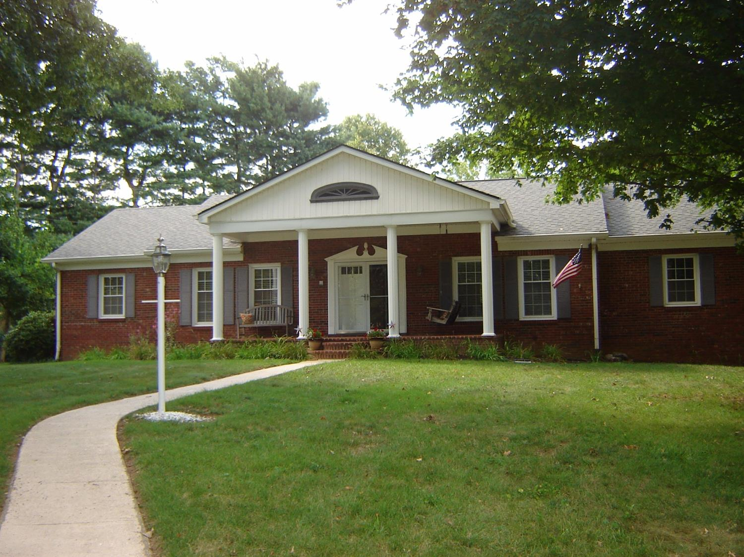 New%20Price%20!%20This%20beautiful%20inlaid%20brick%204BR,2BA,2%20half%20bath%20home%20has%20been%20very%20well%20maintained.%20Many%20updates%20including:%20new%20shingles%202013,HVAC%20and%20hot%20water%20heater%202014-2016,Bamboo%20hardwood%20floors%20in%20the%20kitchen,family%20room,foyer,halls.New%20kitchen%20back-splash,tile%20counters,and%20brick%20trim%20added%20to%20the%20fireplace.%20The%20spacious%202%201/2%20car%20garage%20also%20boasts%20a%20workbench%20and%20the%20convenience%20of%20heat%20for%20the%20winter.%20Enjoy%20an%20evening%20overlooking%20your%20spacious%20backyard%20form%20the%20multi-tier%20deck.%20Columbia%20gas%20is%20also%20available.%20Small%20quiet%20neighborhood,%20unique%20wooded%20lots%20with%20one%20entrance%20and%20exit.%20Close%20to%20shopping,schools,airport,%20and%20Keeneland.