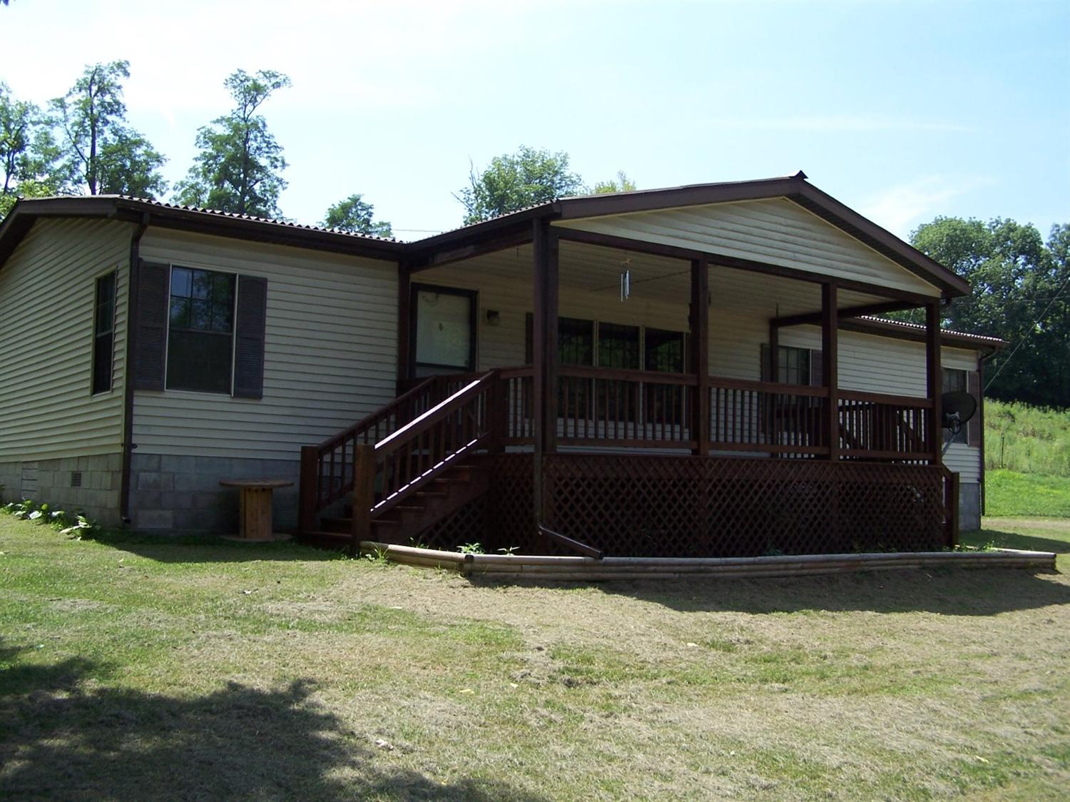 Home For Sale at 310 Calloway White Rd, Winchester, KY 40391