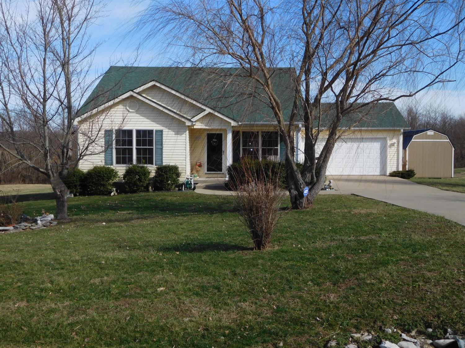 Home For Sale at 70 Andrew Ct, Lancaster, KY 40444