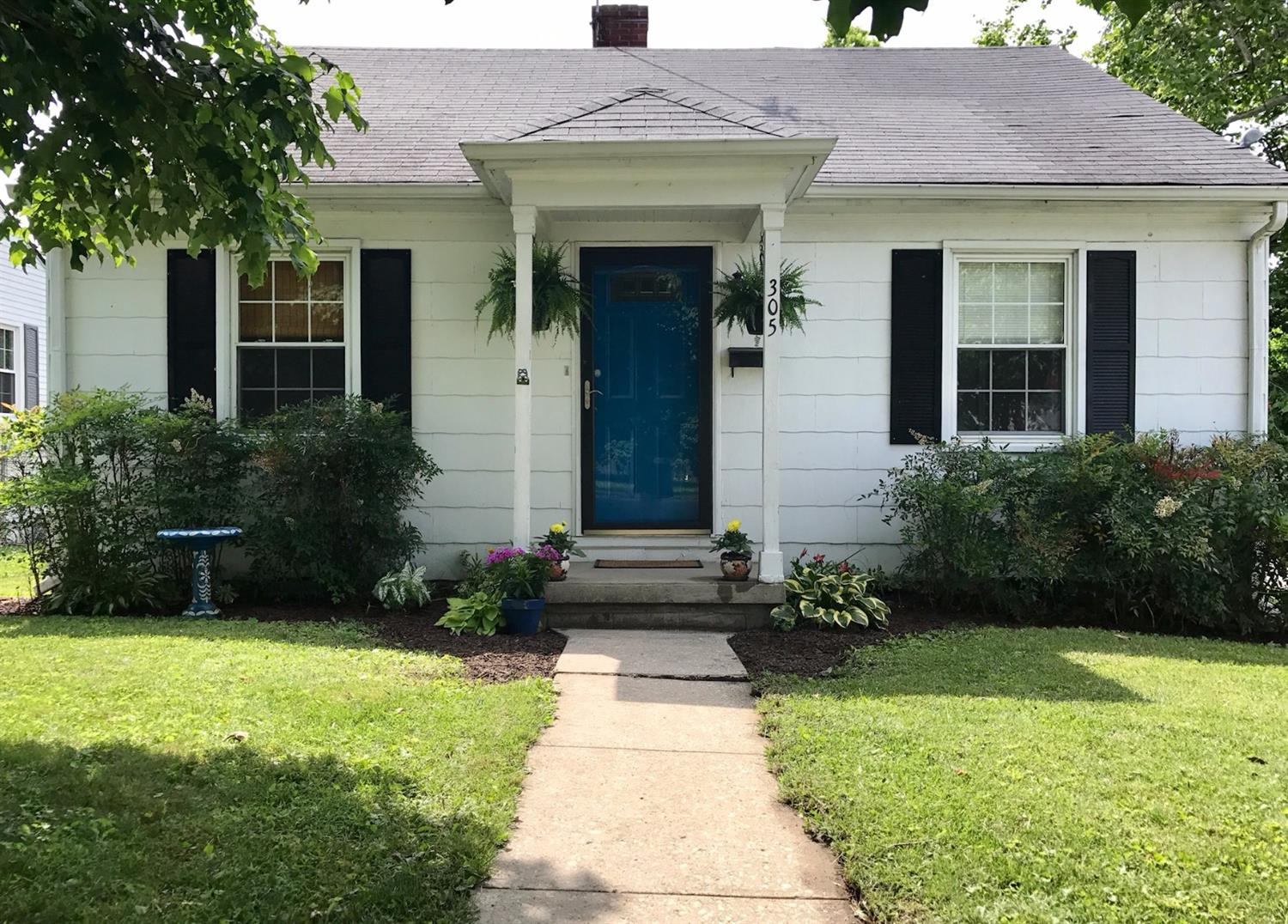 Home For Sale at 501-503 Lake St, Nicholasville, KY 40356