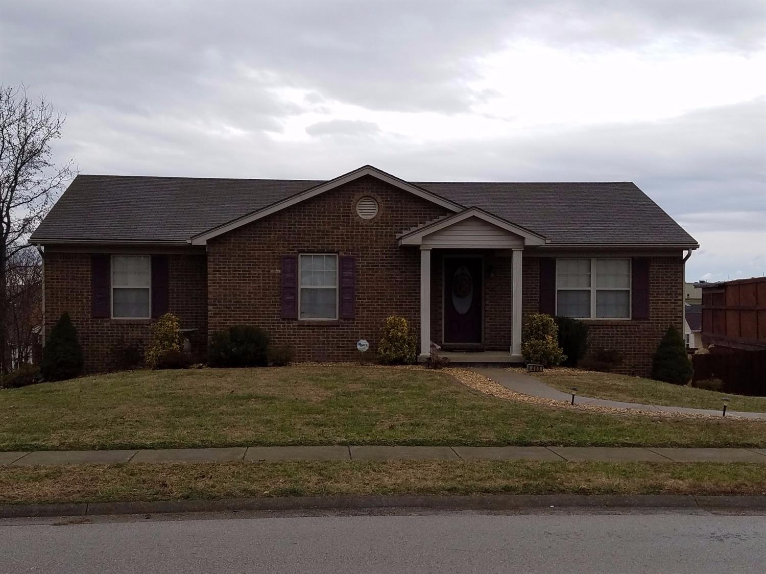 Home For Sale at 132 Mallard Dr, Frankfort, KY 40601