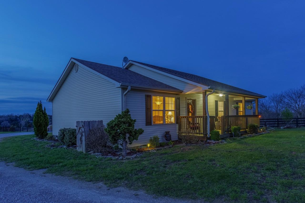 Well%20Maintained%20Ranch%20Boasting%20Large%20Eat%20In%20Kitchen%20With%20Walk%20In%20Pantry/Utility%20Room%20And%20Breakfast%20Bar.%20Large%20Bedrooms%20With%20A%20Walk%20In%20Closet%20In%20Master.%20Large%20Master%20Bath%20With%20Double%20Vanity%20And%20Large%20Linen%20Closet.%20Large%20Deck%20With%20Beautiful%20Views.%20Run%20In%20Shed%20And%20Approximately%208x10%20Shed%20Included.%20Black%204%20Panel%20Fence%20Lines%20The%20Entire%20Road%20Front%20And%20Woven%20Wire%20Covering%20The%20Rest%20Of%20The%205.13%20Acres.%20Great%20Country%20Living%20All%20With-In%206%20Miles%20Of%20Town.