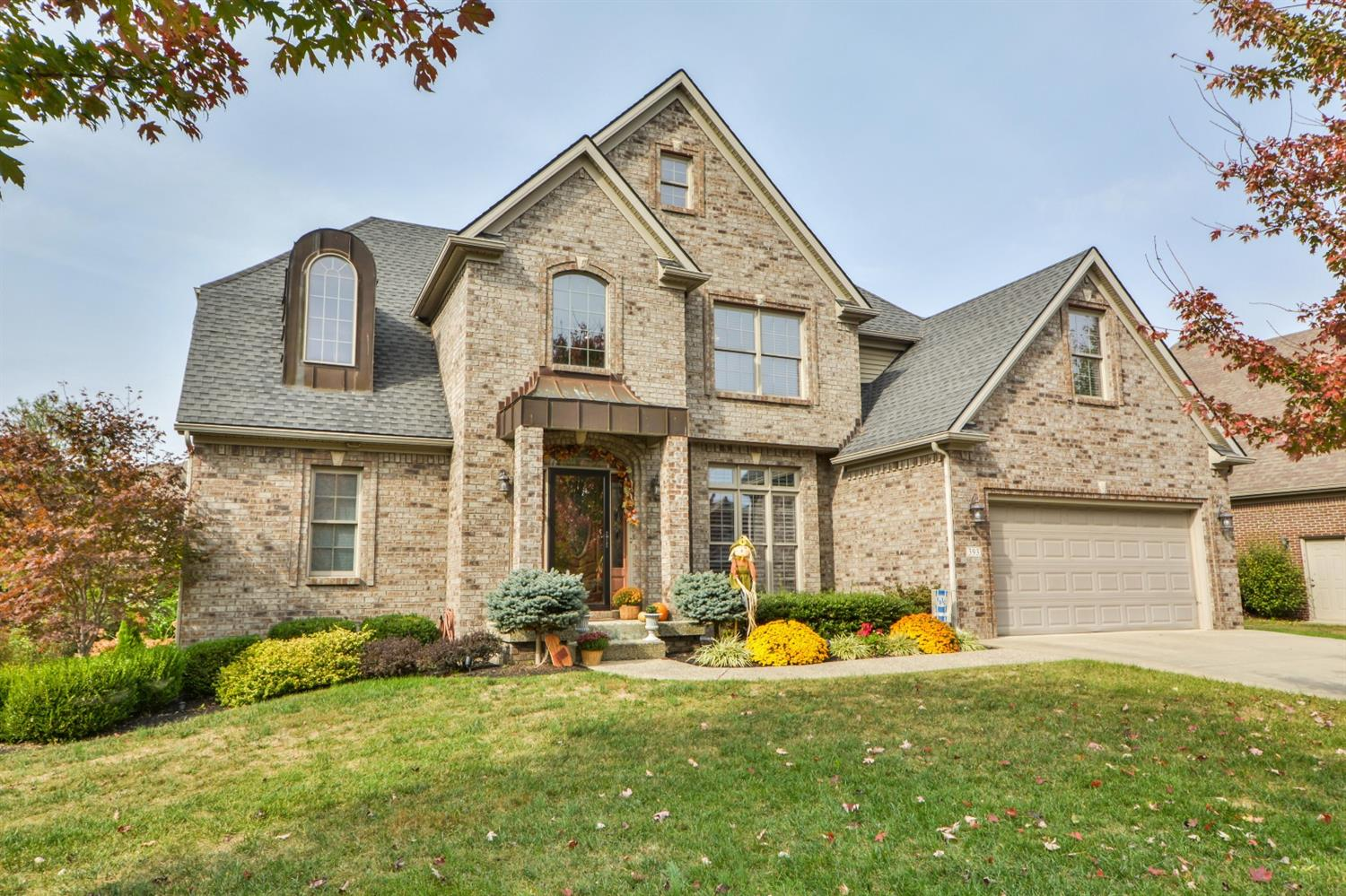 Home For Sale at 216 Bay Colony Ct, Richmond, KY 40475