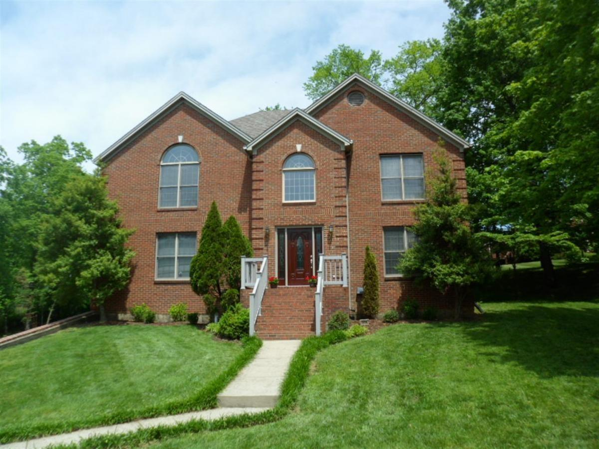 Two%20story%20all%20brick,%20with%205%20bedrooms%20and%204%20full%20baths.%20Walk%20out%20basement%20with%20oversize%20two%20car%20garage.%20Two%20story%20brick%20wood%20burning%20fireplace%20in%20open%20great%20room.%20Kitchen%20with%20bar%20and%20granite%20counter%20tops.%20Two%20bedrooms%20on%20main%20level%20with%20full%20bath,%20utility%20room,%20large%20open%20kitchen/dining%20with%20bar.%20formal%20dining%20upstairs%20has%20large%20master%20bedroom%20with%20large%20bath%20sky%20light,%20and%20deck.%20Catwalk%20over%20looks%20large%20great%20room%20and%20entry.%20New%20carpet,%20new%20wood%20flooring%20,%20two%20other%20bedrooms%20and%20full%20bath,and%20all%20new%20paint.%20Central%20vac.%20Basement%20has%20family%20room,%20could%20be%20another%20bedroom%20%20closets%20but%20no%20window%20and%20full%20bath.%20Seller%20will%20provide%20a%20one%20year%20home%20warranty%20by%20America's%20Preferred%20Home%20Warranty%20Inc.