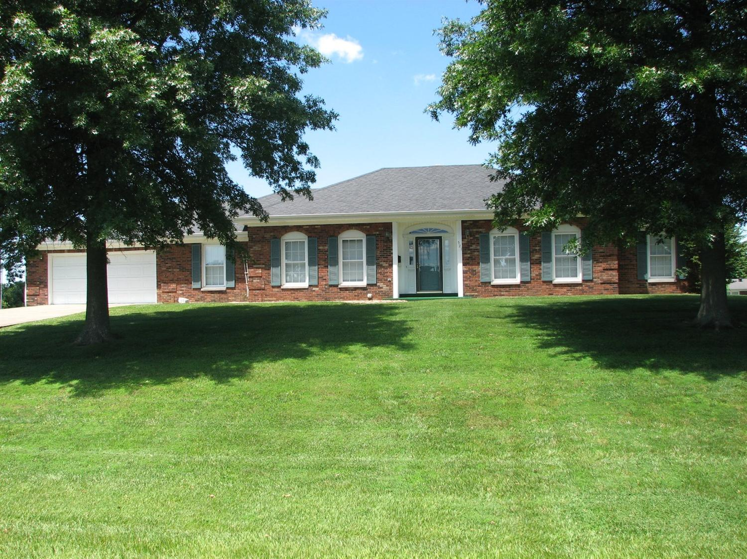 Home For Sale at 452 Beaumont, Harrodsburg, KY 40330