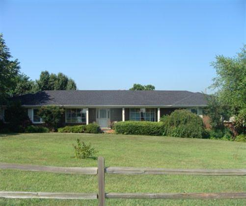 Brick%20ranch%20with%20full%20basement,%20sun%20room,%20stone%20fireplace.%20This%20property%20has%20a%2045x175%20horse%20barn%20with%209-10%20stalls,%20wash%20room,%20tack%20room.%2040%20acres%20adjacent%20to%20property%20that%20can%20be%20leased.%20Barn%20has%20round%20pen%20for%20riding%20and%20loft%20space%20for%20hay.