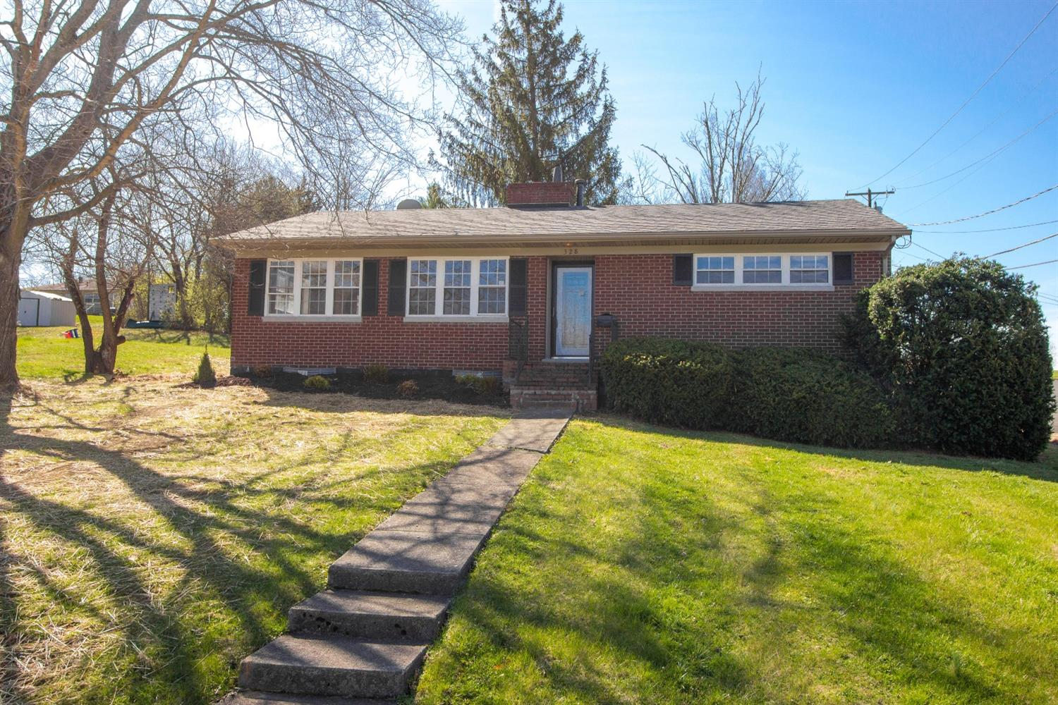 Here%20is%20a%20must-see%20property%20located%20in%20quite%20Harrodsburg,%20KY!%20%20A%20recently%20updated%203-bedroom,%202-bathroom,%20the%20home%20is%20located%20on%20a%20large%20corner%20lot%20with%20a%20single-car%20garage%20and%20brand-new%20deck.%20%20The%20home%20features,%20All%20New%20Appliances,%20refinished%20hardwood%20floors,%20new%20tile%20flooring,%20an%20upgraded%20modern%20kitchen,%20fresh%20coat%20of%20paint.%20%20Both%20bathrooms%20have%20been%20renovated%20as%20well.%20%20In%20addition,%20the%20HVAC%20and%20Hot%20Water%20Heater%20are%20both%20brand%20new.%20%20Check%20out%20this%20home%20as%20soon%20as%20you%20can,%20it%20won't%20last%20long!