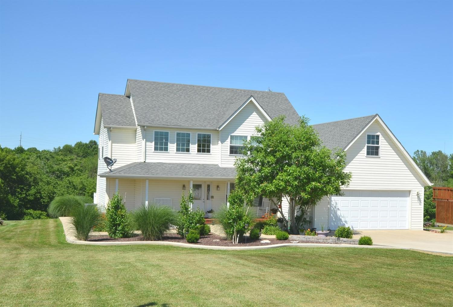 Check%20out%20this%20beautiful%20and%20well%20maintained%20home.%20Located%20on%20a%20private%20drive%20and%20close%20to%20Herrington%20Lake,%20Shakertown,%20Danville%20and%20many%20shopping%20areas.%20Home%20has%20tile%20and%20hardwood%20flooring%20throughout.%20Situated%20on%201%20acre%20lot%20with%20nice%20landscaping,%20front%20porch,%20large%20rear%20deck,%20and%20nice%20spacious%20driveway.%20Home%20consists%20of%203%20bedrooms,%202%201/2%20baths,%20and%202%20car%20garage.%20Must%20See%20Inside!
