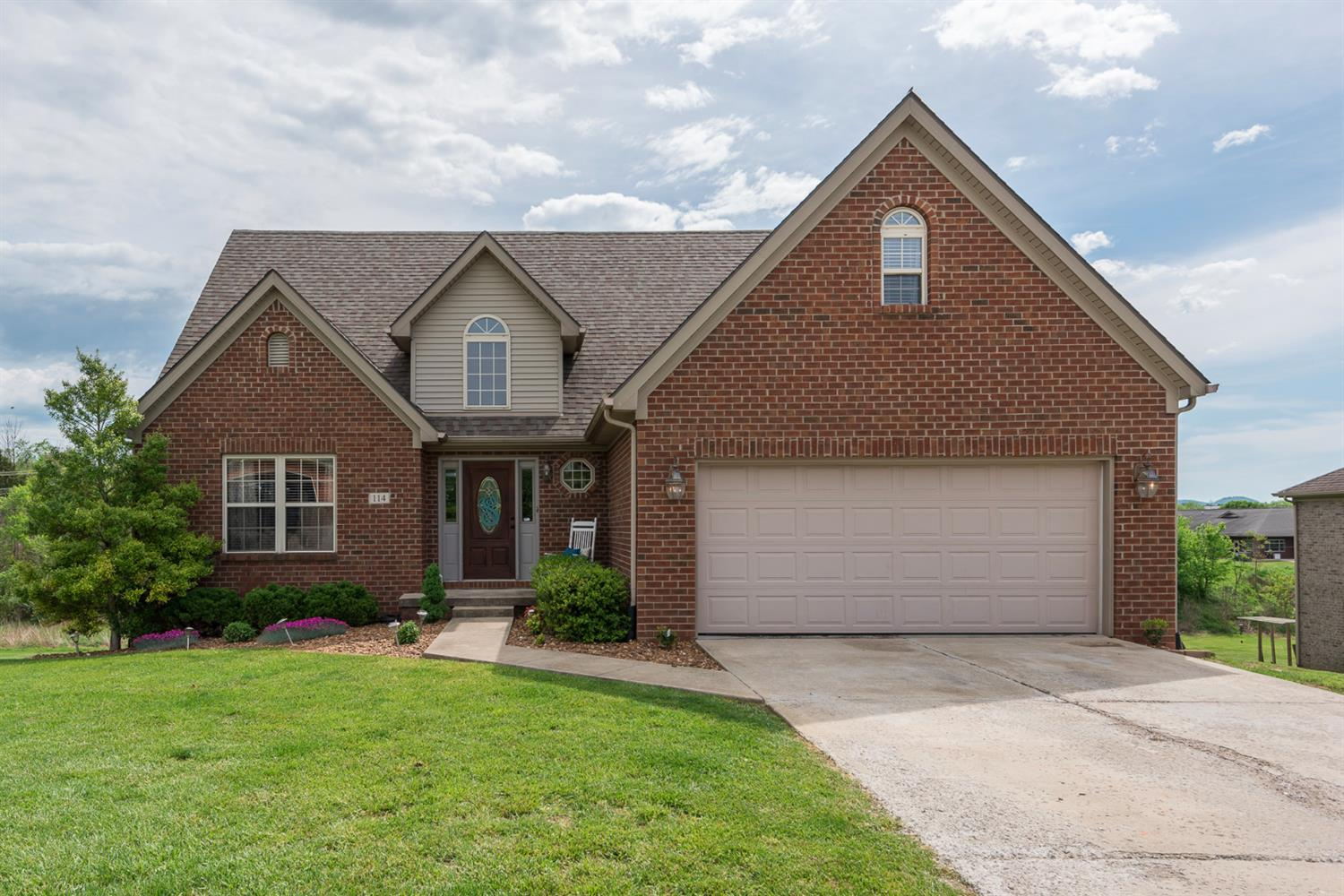 Home For Sale at 114 Legacy Dr, Berea, KY 40403