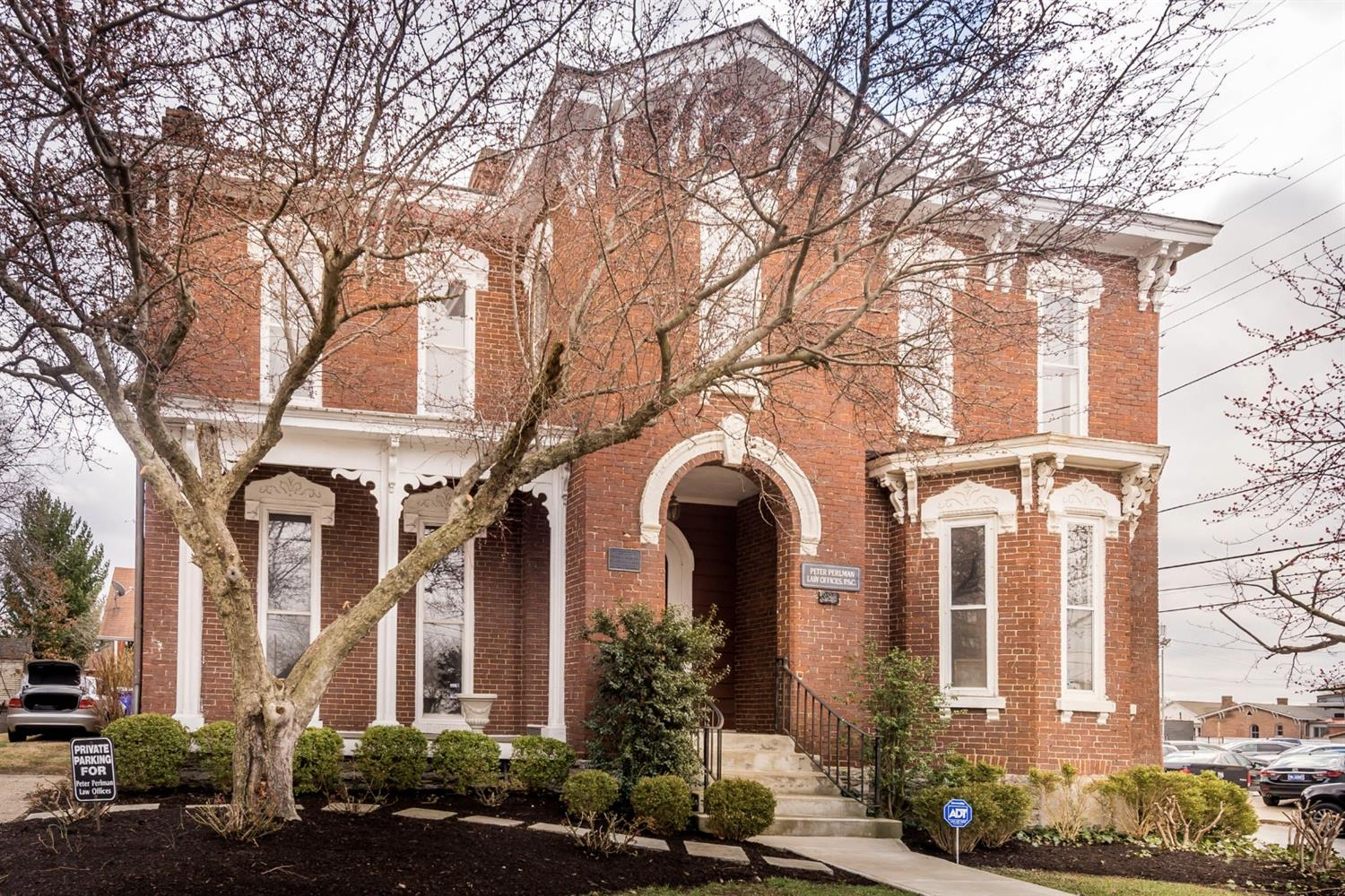 This%20one-of-a-kind%20Italianate%20home%20offers%20an%20awesome%20opportunity%20to%20any%20entrepreneur%20who%20desires%20the%20convenience%20of%20never%20having%20to%20drive%20to%20work.%20%20It%20was%20previously%20a%20well-respected%20law%20office%20and,%20after%20numerous%20updates,%20would%20make%20a%20wonderful%20art%20gallery,%20professional%20office,%20property%20management,%20upscale%20antique%20market,%20medical%20specialists,%20etc.%20%20%20The%20grand%20front%20entry%20and%20adjacent%20large%20open%20salons%20provide%20the%20perfect%20setting%20for%20any%20of%20these%20uses%20and%20so%20many%20more...while%20still%20allowing%20for%20plenty%20of%20private%20living%20space%20to%20the%20rear%20of%20the%20home%20and%20in%20the%20spacious%20second%20floor.%20%20The%20massive%20foyer%20on%20the%20second%20floor,%20as%20well%20as%20the%20oversized%20four%20bedrooms%20are%20spectacular.%20%20The%20large%20basement,%20with%20separate%20rear%20entry,%20provides%20a%20great%20space%20for%20an%20antique%20store%20or%20similar%20business.%20%20This%20home%20is%20built%20for%20the%20business%20owner%20who%20wants%20to%20keep%20family%20close%20at%20hand.%20%20The%20historical%20nature%20of%20the%20home%20will%20make%20you%20the%20envy%20of%20many.