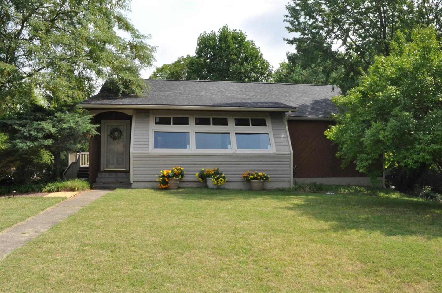 Ranch%20%20with%20NEW%20roof,%20bedroom%20carpet%20&%20sunroom%20picture%20windows!%20Huge%20full%20finished%20walkout%20basement,%20with%20it's%20own%20full%20bath,%20located%20on%20spacious%20corner%20lot%20of%20quiet%20cul%20de%20sac.%20%20Loads%20of%20finished%20square%20footage,%20including%20cheerful%20bright%20sunroom%20on%20front%20of%20home%20perfect%20for%20the%20gardening%20enthusiast%20or%20hobby%20room.%20%20Finished%20basement%20has%20tons%20of%20storage.%20%20Large%20wrap%20around%20deck.%20%20Home%20has%20attached%20one%20car%20garage%20on%20basement%20level%20as%20well%20as%20nice%20sized%20driveway%20with%20parking%20area%20for%20extra%20cars.%20Seller%20offering%20$3000%20towards%20closing%20costs%20or%20new%20kitchen%20appliance%20package.%20%20If%20you're%20looking%20for%20a%20ranch%20with%20%20loads%20of%20living%20space%20on%202%20levels%20for%20a%20reasonable%20price,%20this%20is%20the%20home%20for%20you!