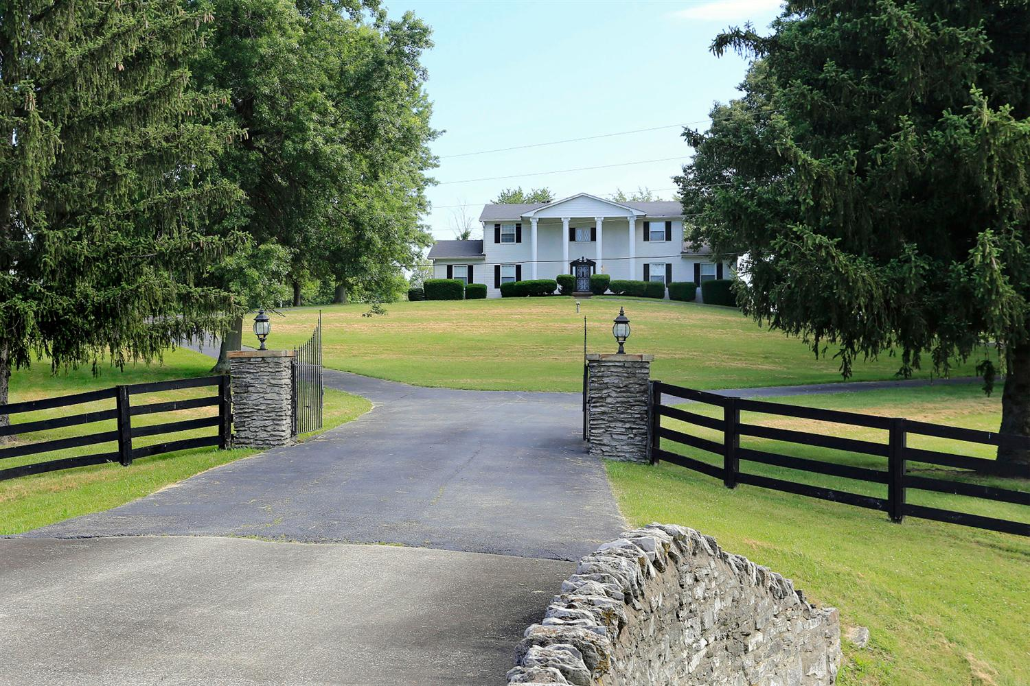 7091 Rockwell Rd, Winchester, KY 40361