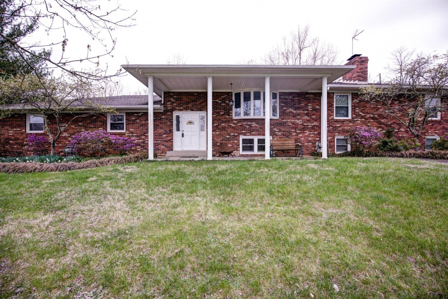 Home For Sale at 2600 Russell Cave Rd, Lexington, KY 40511