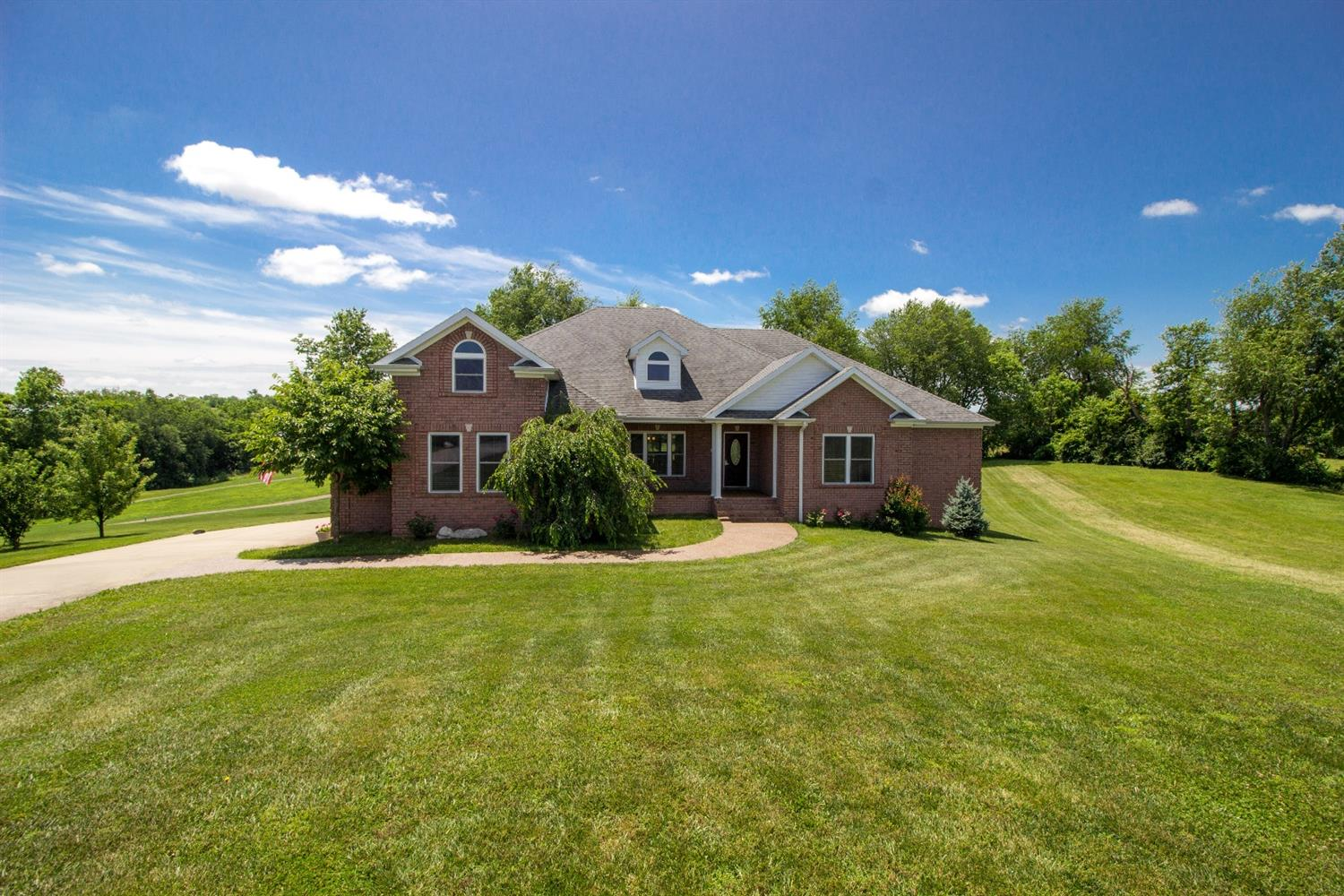 Home For Sale at 249 Bluffwood Dr, Danville, KY 40422