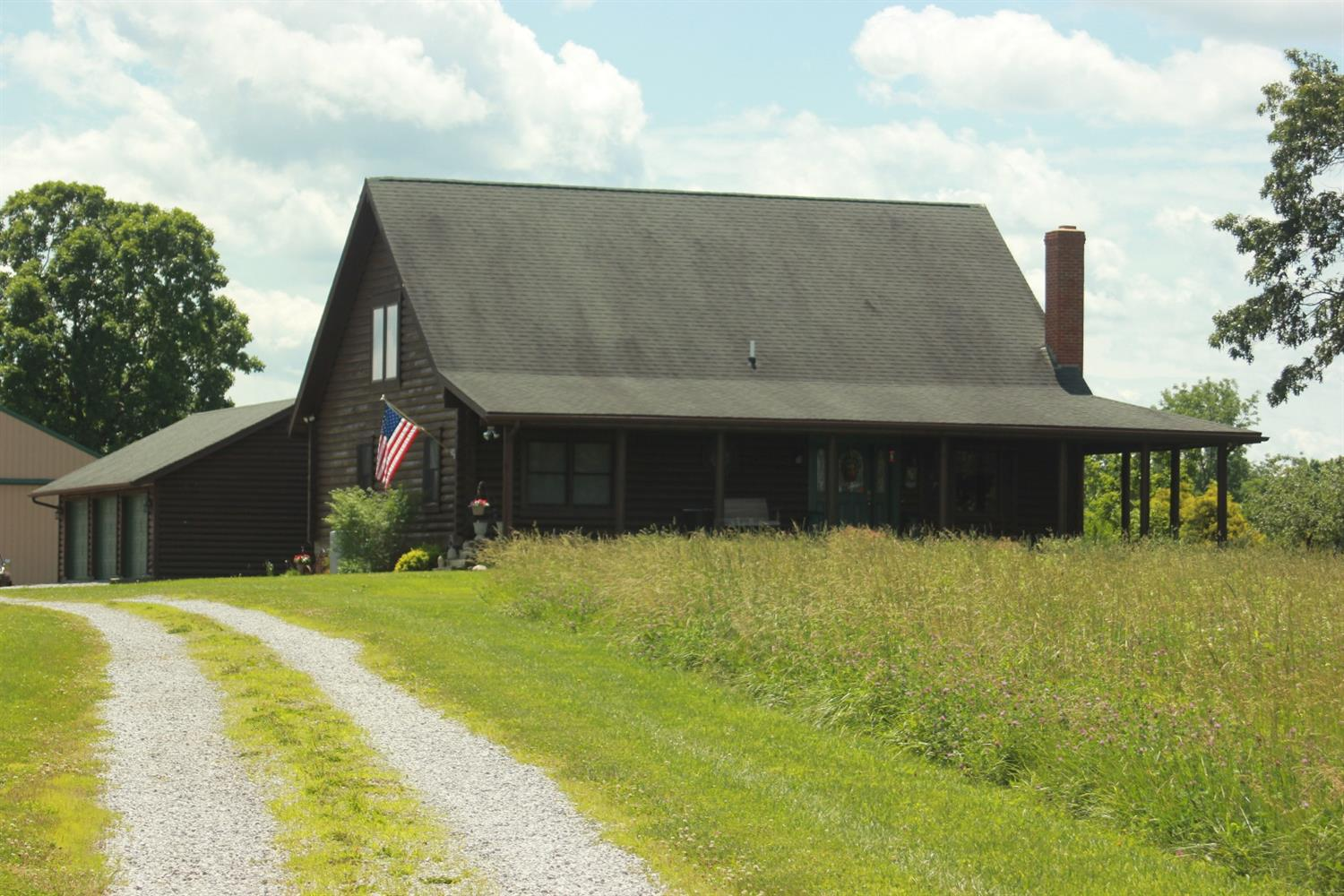 Beautiful%20log-type%20home%20on%20almost%2018%20quiet%20acres.%20Great%20hobby%20or%20gentleman's%20farm.%20Must%20see%20to%20appreciate!