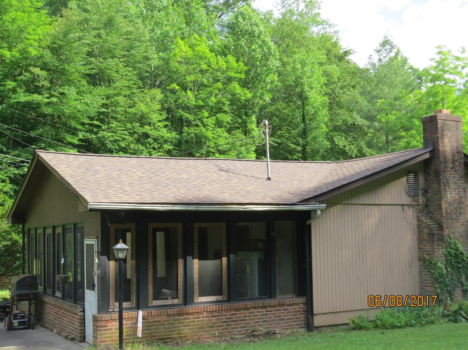 4518 SOUTH US HIGHWAY 119, WALLINS, KY 40873  Photo 4