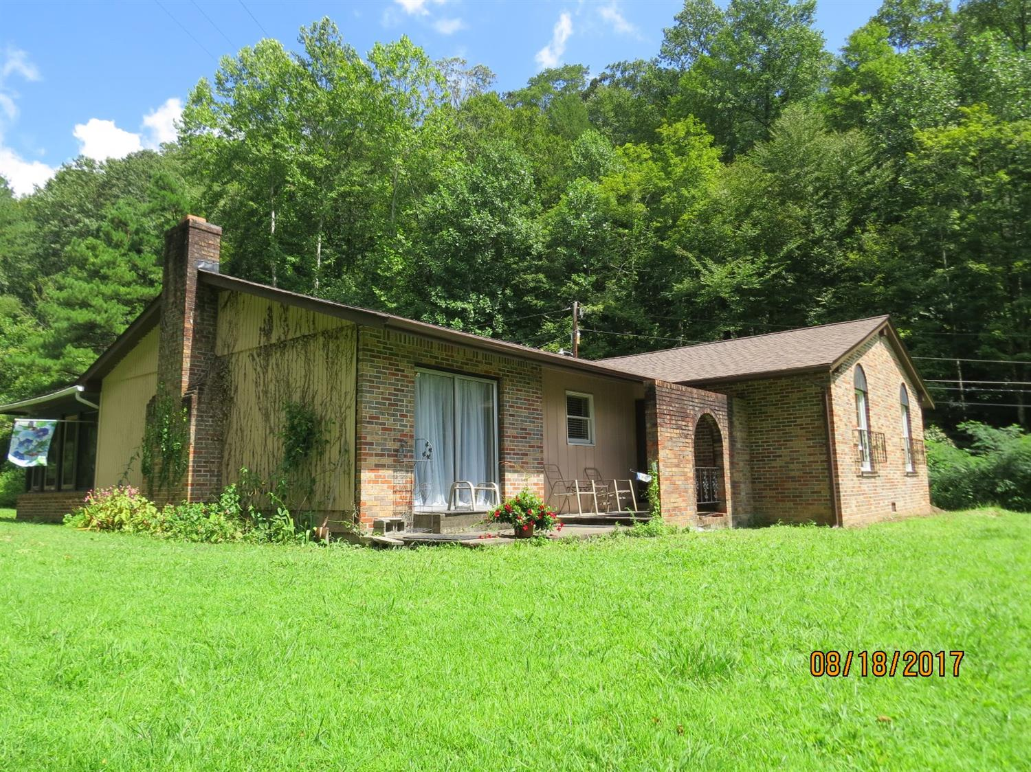 4518 SOUTH US HIGHWAY 119, WALLINS, KY 40873  Photo 3