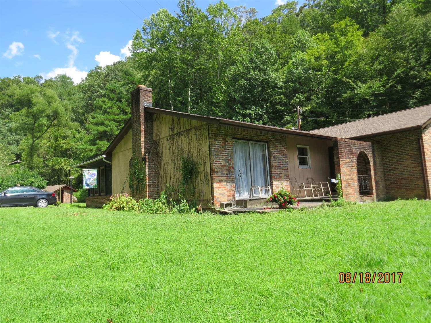 4518 SOUTH US HIGHWAY 119, WALLINS, KY 40873  Photo 2