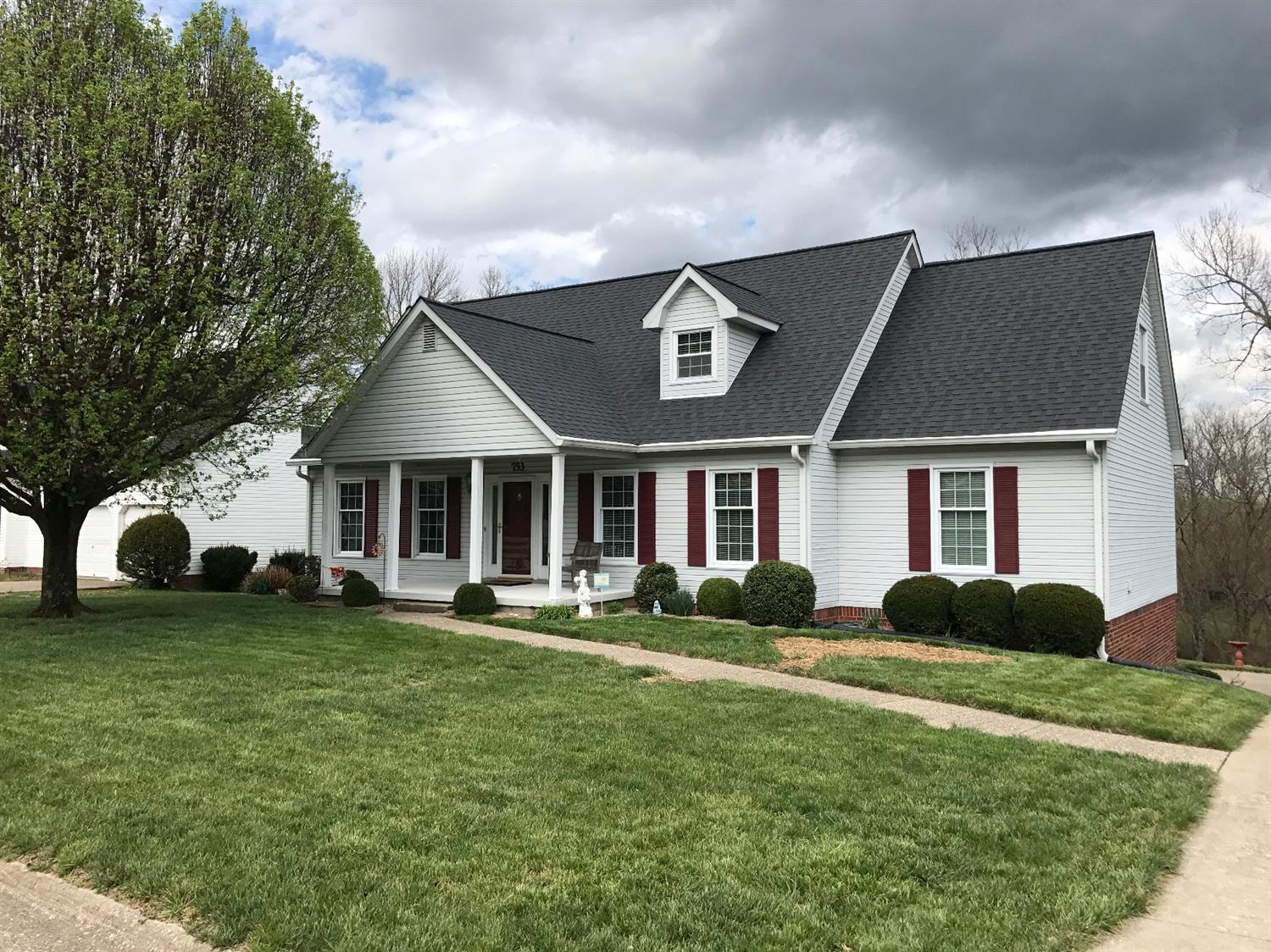 Home For Sale at 753 Isaac Shelby Cir, Frankfort, KY 40601