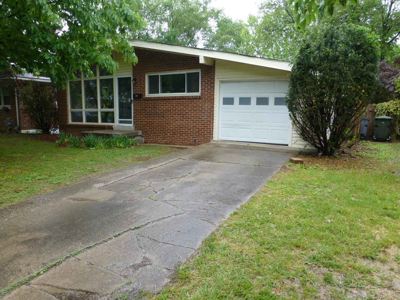 Home For Sale at 100 Idle Hour Dr #13, Lexington, KY 40502