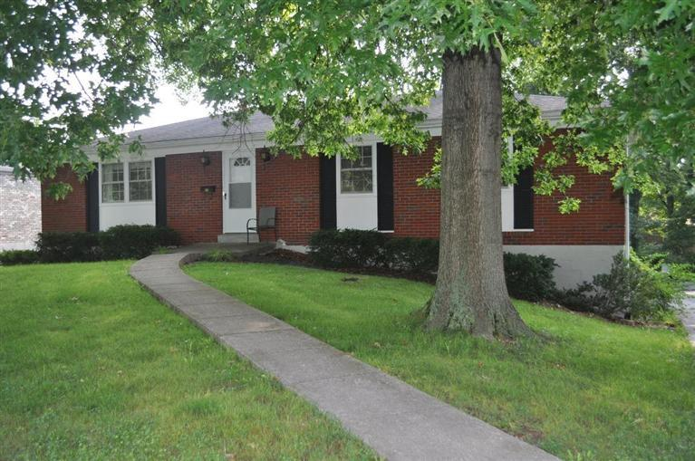 227%20Tinderwood%20Dr%20Frankfort,%20KY%2040601 Home For Sale