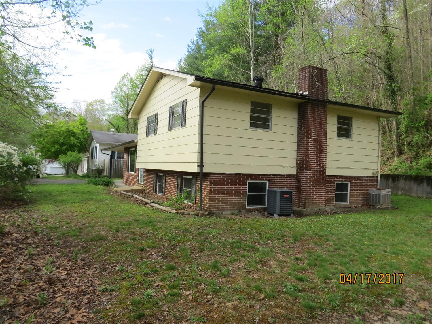 1084 IVY HILL, HARLAN, KY 40831  Photo 30