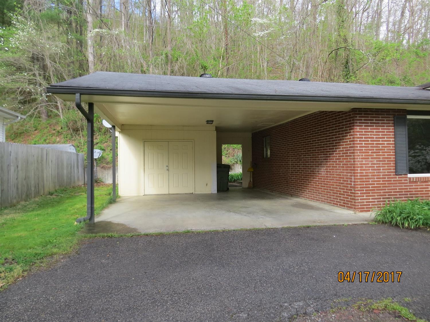 1084 IVY HILL, HARLAN, KY 40831  Photo 36