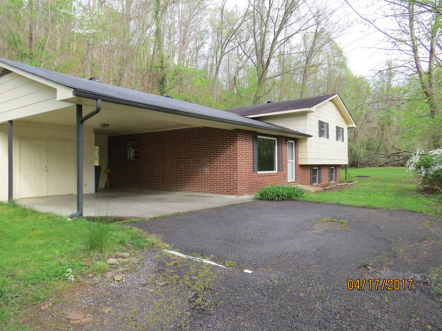 1084 IVY HILL, HARLAN, KY 40831  Photo 37