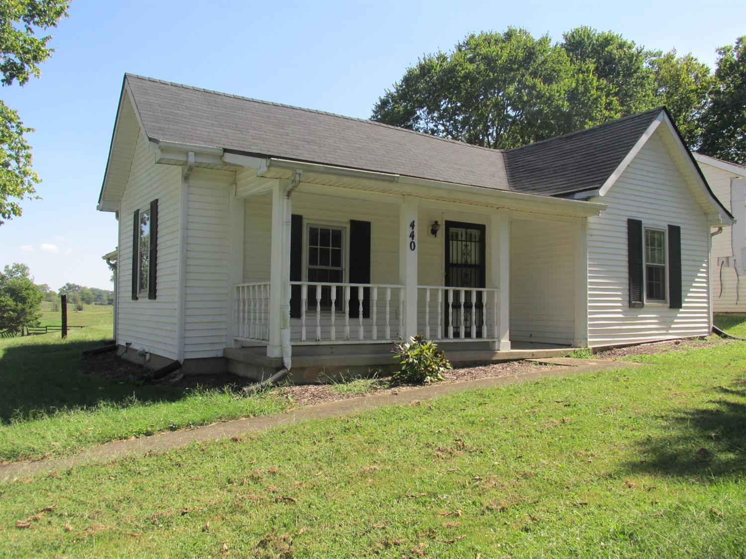 Located%20at%20corner%20of%20three%20counties-This%20property%20has%20a%20Lexington%20address%20but%20is%20in%20Scott%20County.%20One%20level%20country%20house%20has%20fairly%20new%20appliances%20and%20remodeled%20full%20bath,%20ceiling%20fans.%20Seller%20of%20this%20property%20has%20owned%20this%20proper%20only%20nearly%20a%20year%20but%20previous%20seller%20added%20new%20$5,000%20Hvac,%20new%20interior%20doors%20&%20paint%20&%20appliances.%20The%20four%20car%20garage%20is%20a%20wonderful%20feature%20for%20a%20car%20collector%20-house%20is%20200%20amp/garage%20is%20100%20amp,%20garage%20has%20insulation%20plus%20insulated%20garage%20doors/florescent%20lights%20/storage%20area%20ect..,%20and%20there%20is%20another%20section%20of%20garage%2018x40%20for%20what%20ever%20new%20owner%20will%20desire(office/storage/small%20guest%20quarters,%20plus%20permeant%20stairs%20to%20floored%20attic%20above.%20Lovely%20land%20-%20the%20property%20is%20a%20half%20an%20acre%20with%20a%20creek%20and%20mature%20trees,%20sellar,%20gorgeous%20horse%20farm%20in%20rear%20of%20property%20with%20black%20fences.%20Shallow%20back-yard%20because%20this%20lot%20is%20longer%20than%20wider.%20The%20seller%20loves%20this%20great%20country%20setting%20but%20his%20family%20is%20blending%20with%20another%20family%20and%20now%20needs%20larger.