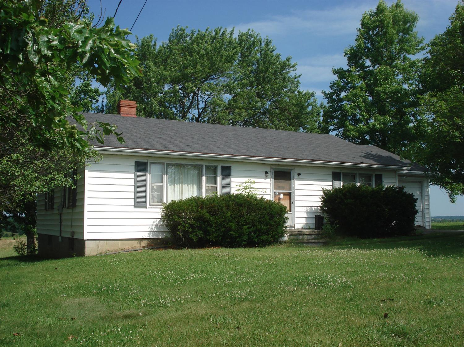 687 Bowmans Mill Rd, Berry, KY 41003