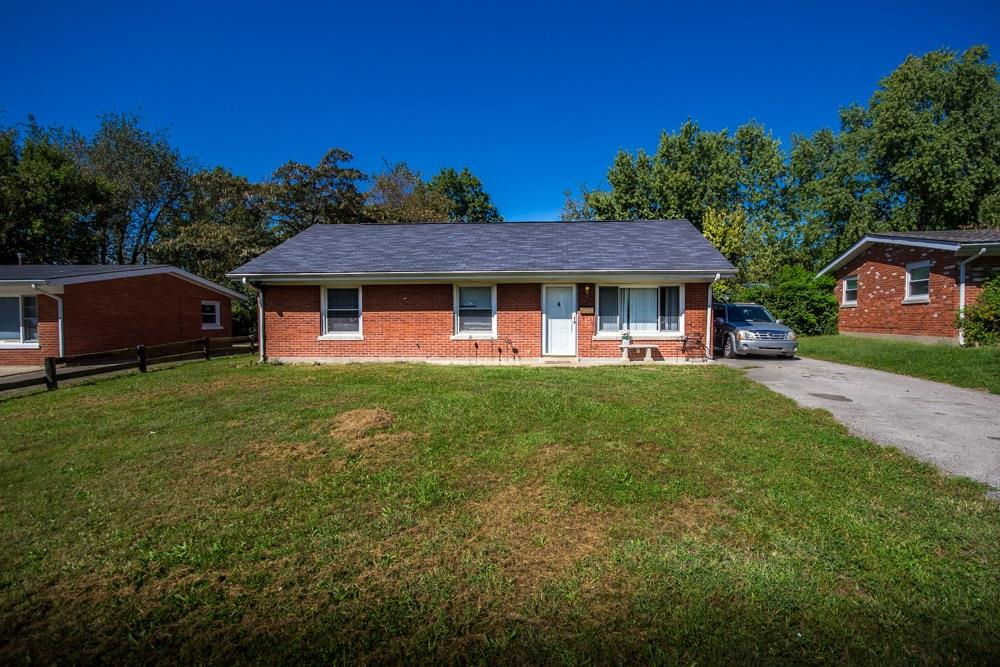 You%20HAVE%20to%20take%20a%20look%20at%20this%20gorgeous%20brick%20ranch%20TODAY!%20%20Beautiful%20kitchen%20and%20bath%20remodels,%20a%20HUGE%20yard,%20detached%20garage%20and%20a%20location%20that%20is%20convenient%20to%20downtown,%20the%20airport,%20New%20Circle%20Rd.%20and%20Man%20o'%20War!%20%20This%20showstopper%20has%20also%20had%20system%20updates%20that%20you%20can't%20ignore%20at%20this%20price.*New%20HVAC%20(2012)%20*New%20Water%20Heater%20(2011)%20%20*New%20roof%20(2011).%20%20Three%20bedrooms,%20an%20absolutely%20stunning%20bath,%20a%20separate%20laundry%20roomSTOP%20right%20now%20and%20schedule%20your%20showing%20before%20this%20great%20home%20is%20GONE!